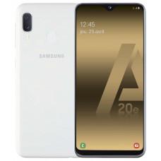 Smartphone sans abonnement SAMSUNG GALAXY A 20 E BLANC pas cher